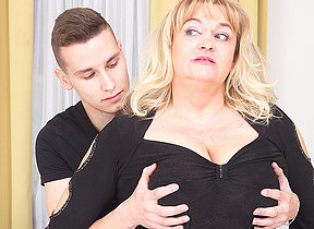 This big mature lady gets a good hard fuck
