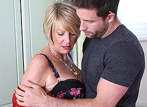 Horny British missus seduces the handyman