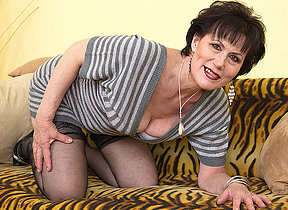Naughty mature lsut playing with herself