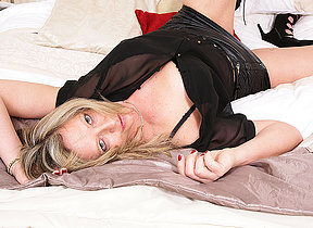British housewife showing you her dirty little secrets