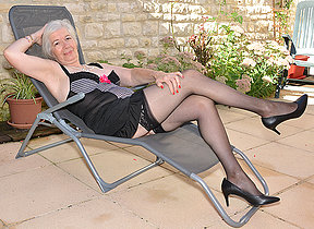 Horny British mature lady getting juicy in her garden