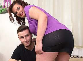 Curvy missis fucking with her toy boy