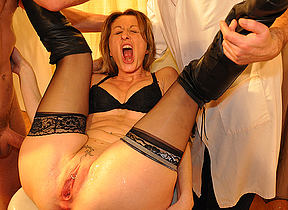 French housewife gets fisted and has her pussy hard to believe in kinky medical examination